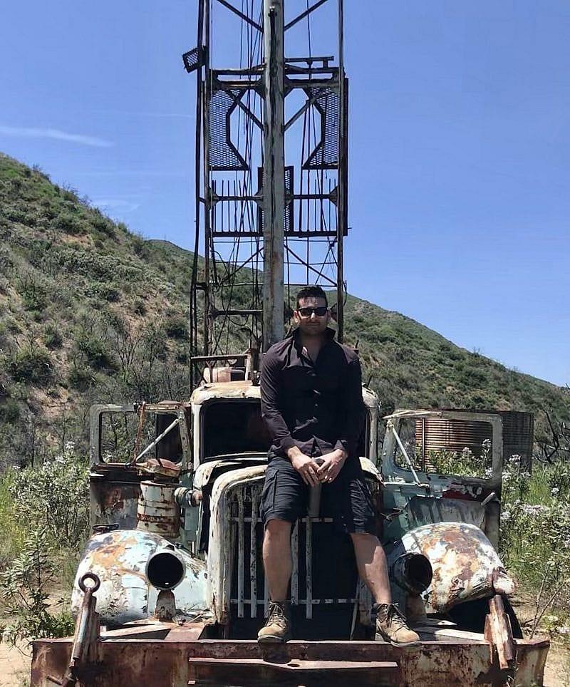The Attire of a Geologist - Adam Azad Kaligi